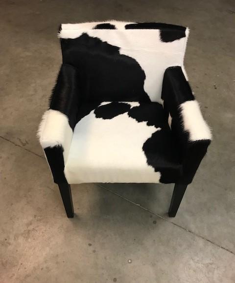koeienhuid stoel zwart wit